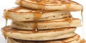Pancakes au sirop d'érable par Saveurs Canada